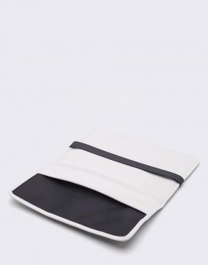 Rains - Laptop 13'' Portfolio